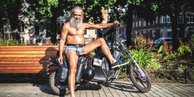 Mikaël Theimer, Sexy papy, de la série Montréal Safari