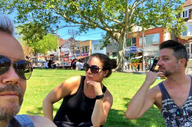 Déjeuner sur l'herbe au Kensington Market. Photo: JF Paradis